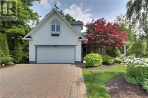 4 HARBOUR COURT Bayfield, Ontario