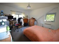 MUST SEE THIS TOW TOW BATHROOM FLAT IN CANNING TOWN