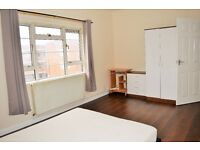 AVAILABLE NOW - FOUR BEDROOM FLAT TO RENT IN EAST LONDON CLOSE TO BRICK LANE E1