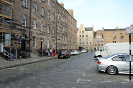 University, Buccleuch Street. Absolutely beautiful, upgraded1 bedroomed flat