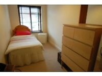 1 bedroom in Ennerdale Drive, Colindale, NW9