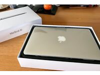 "Apple MacBook Air 11"", 8GB RAM, 128GB flash storage, 1.4 GHz Intel Core i5, Intel HD Graphics 5000"