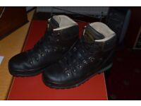 Meindl Walking Boots Mens size 9