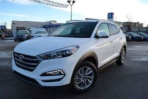 2016 Hyundai Tucson Premium- HEATED FRONT & REAR SEATS, BACK UP
