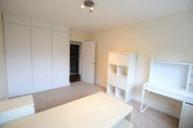 A lovely recently refurbished three bedroom apartment located in Temple Fortune