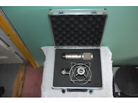 SE2200a Microphone with Case + Suspension Mount
