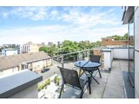 SUTNNING TOP FLOOR 3BED FLAT IN HOXTON**ROOF TERRACE**BALCONY**WATER/HEATING INCL**FURNISHED**