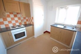 2 Bed Flat with garden, Gas Central heating