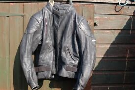 MOTORCYCLE LEATHERS ASHMAN LEATHER MOTOR CYCLE JACKET SIZE XL ( UK ) GENUINE COWHIDE