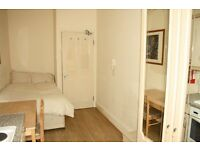 CLEAN AND TIDY BEDSIT FLAT IN BAKER STREET *** CALL NOW FOR VIEWING !!!