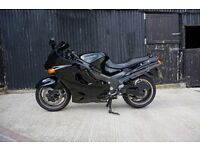 KAWASAKI ZZR 1100 D7 1999 under 12K miles full stainless exhaust super condition