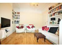 3 bedroom flat in Station Road, Hendon NW4