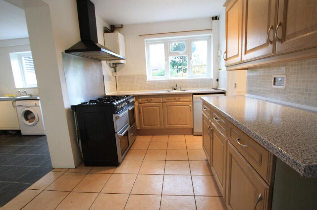 AN AMAZING 4 BEDROOM HOUSE IN CROYDON