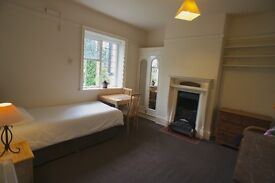 1 Single Bed Flat on Ratcliffe Rd in a quiet Victorian Manor house. Fully Furn. £380 pcm