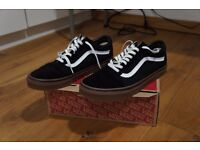 Vans Old Skool Black w/ Brown Gum Sole - Size 11 UK