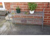 Garden plant pot stand