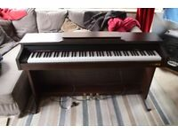 Electric Piano Chase CDP-215 good condition.