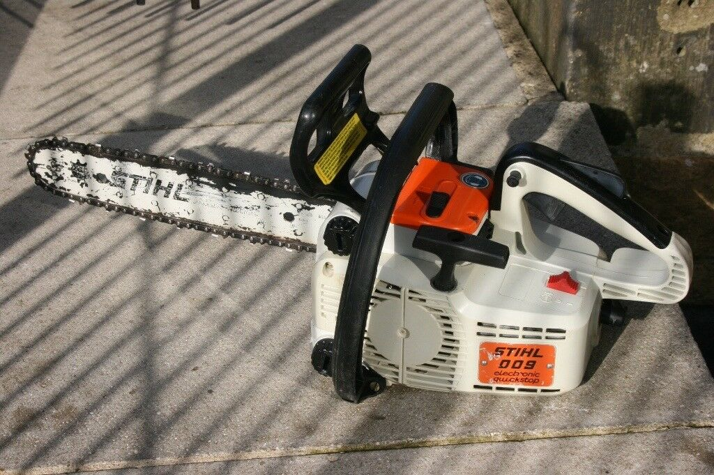 Stihl 009 Petrol Chainsaw In Excellent Condition