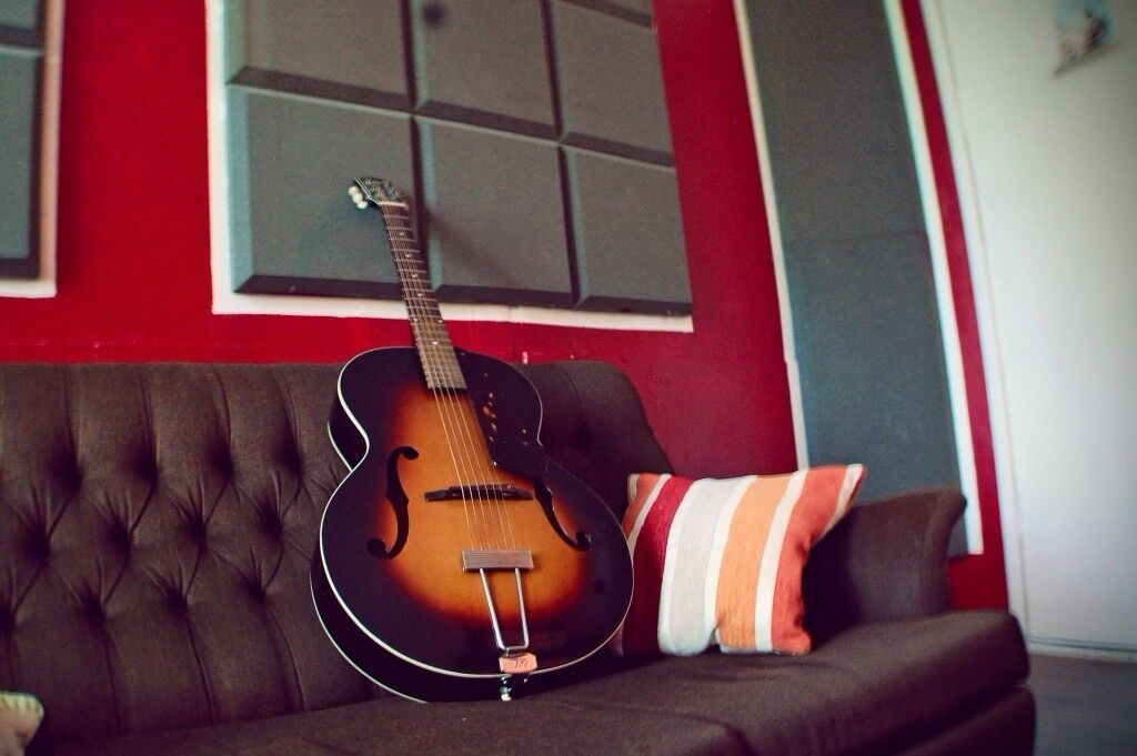 Gretsch New Yorker 1956 acoustic guitar