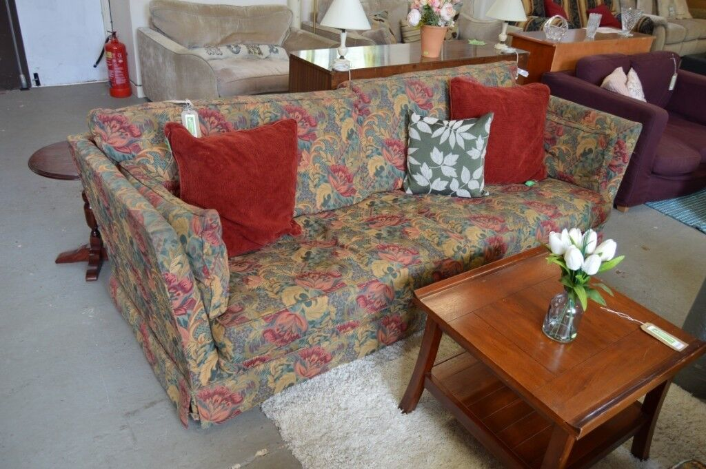 Flower Pattern 3 Seat Sofa And 2 Armchairs   GT 023