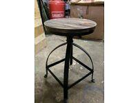 10 x adjustable stools
