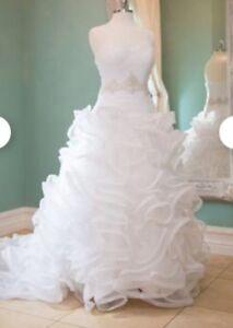 David's bridal Designer white wedding gown sz 4 call 5395573