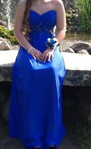 $700 La-Femme Grad or Prom Dress, Size 4, MINT
