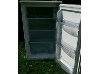Under counter fridge freezer / FREE DELIVERY