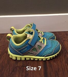 Size 7 Reebok toddler shoes