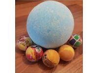 Surprise bath bomb (bouncy ball)