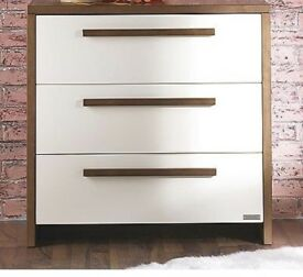 IZZIWOTNOT LATITUDE CHEST OF DRAWERS