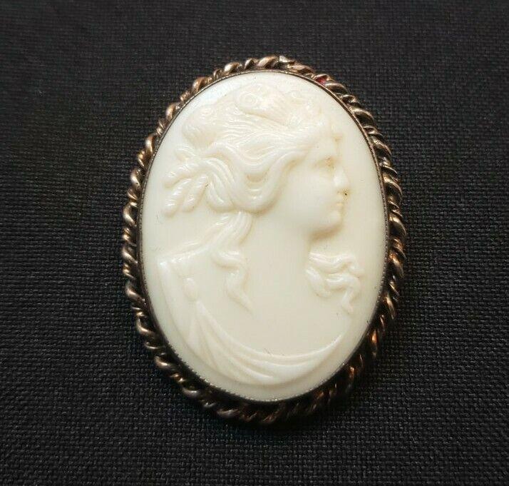 Vintage sterling silver carved porcelain cameo brooch