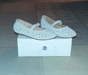 H&M Beige flats size 13 (100% suede).