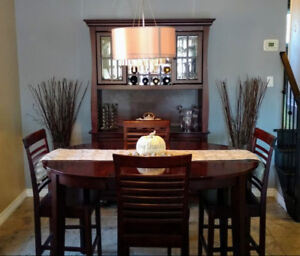 Dining Table, 4 chairs & Hutch/Buffet