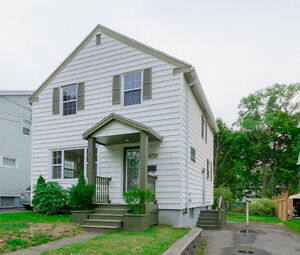 COZY FAMILY HOME WITH CHARACTER!!! Hurry Up and Call Now!