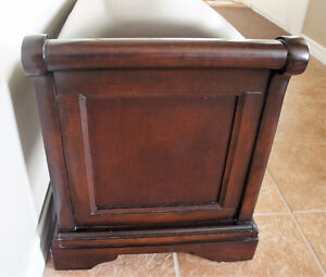 Solid Hardwood Bench with Top Grain Leather Kitchener / Waterloo Kitchener Area image 4