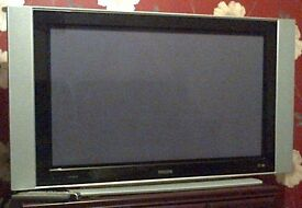 Philips 42 inch Plasma TV on stand no HDMI port good working condition