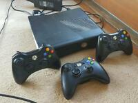 Xbox 360, 27 games, 3 controllers