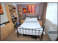 2 bedroom flat in Leeming Road, Borehamwood, WD6 (2 bed)