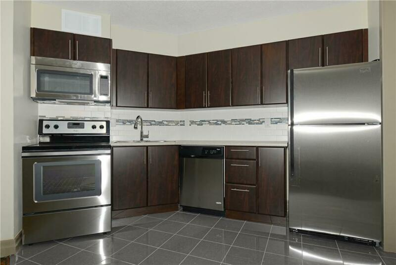 Mississauga 3 Bedroom Apartment for Rent - 3122 Hurontario ...