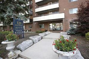 Beautiful suites in a great neighbourhood! Blue Mountain Special