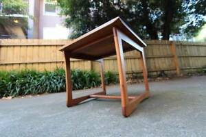 ~ RRP $150 ~ Lamp TV Coffee Table~ Square ~ Wooden ~ Classic Look St Kilda East Glen Eira Area Preview