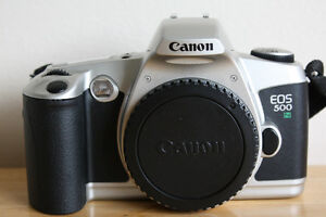 Canon-EOS-500N-35mm-SLR-Film-Camera-Body-with-body-cap-shoulder-strap-manual