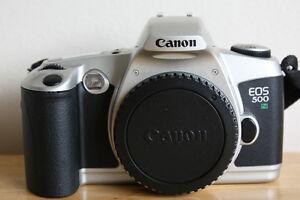 Canon-EOS-500N-35mm-SLR-Film-Camera-Body-with-body-cap-shoulder-strap-manual