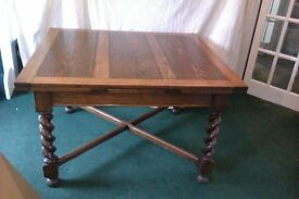 Solid Oak Extending Dining Table with Sideboard & 8 Chairs.