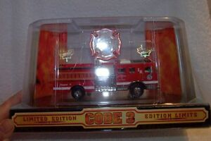 Seagrave	Diecast  2450  Code 3  Fire Engine    Limited Edition