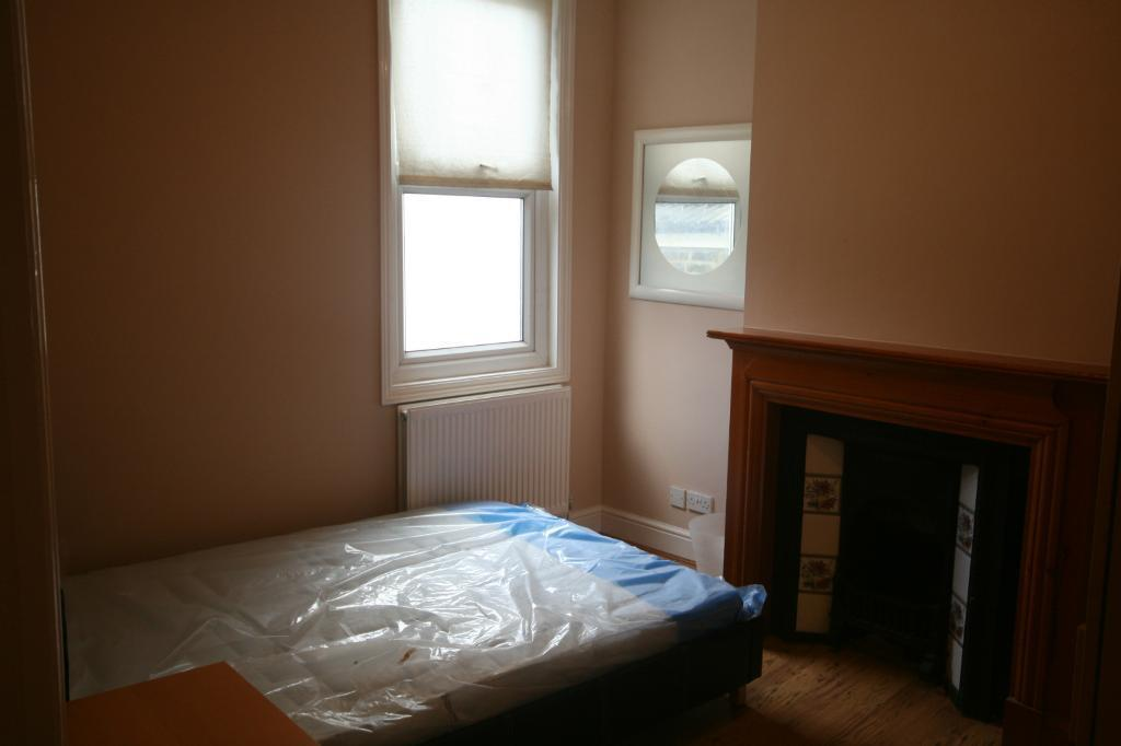 Good sized 2 Bed in Streatham located in between Streatham Hill and Streatham Railway