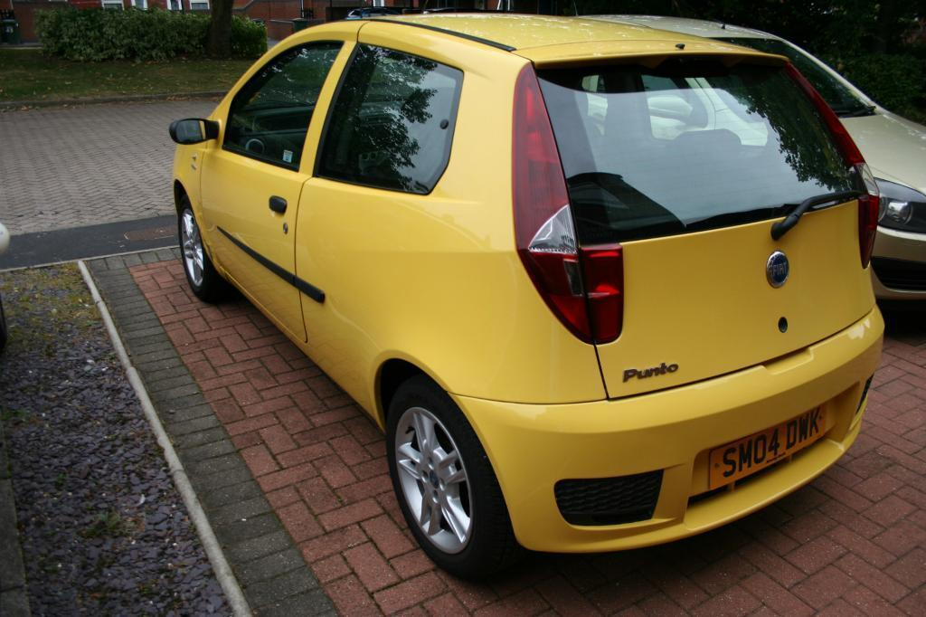 Fiat Punto, Yellow, 1.2 Active Sport, 04 plate £975 ono | in ...