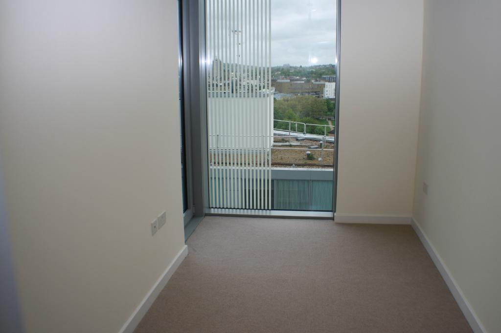 MODERN 3 BEDROOM IN THE VERTEX TOWER -parking, heating and water, Furnished or Unfurnished