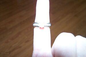 2 Diamond Rings, one diamond necklace VALENTINE SPARKLE Oakville / Halton Region Toronto (GTA) image 2